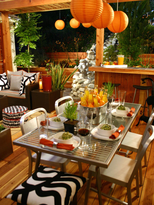 Table Settings for Outdoor Entertaining : Page 02 : Decorating ...