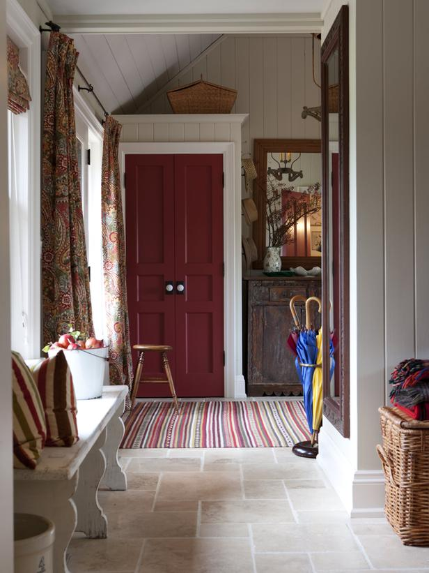 FLSRA301_mudroom-entryway-red- ...